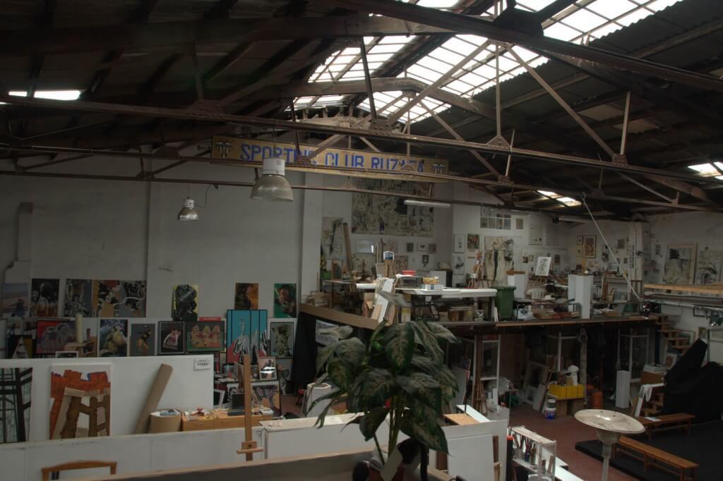 slide12_studio